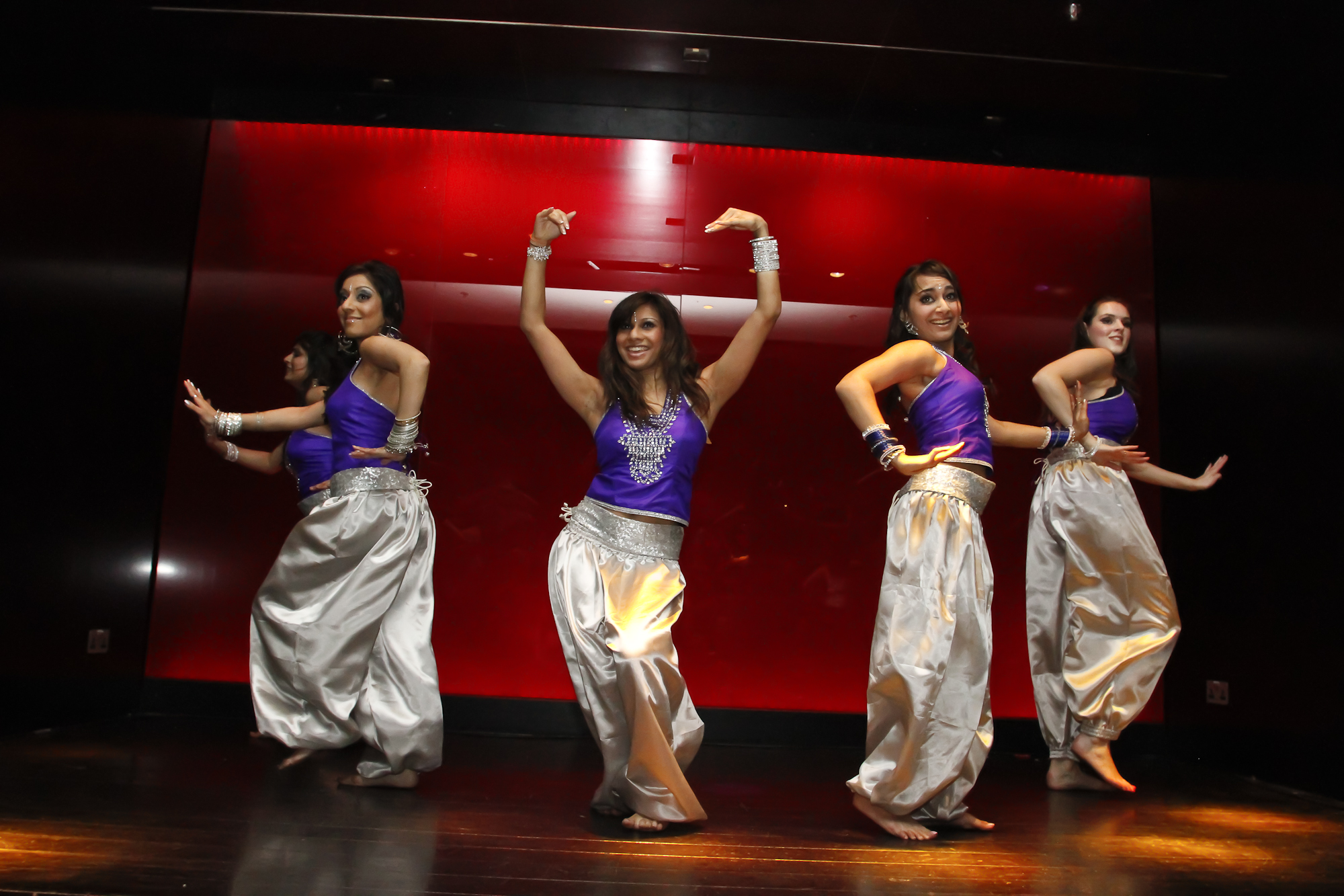 bollywood dance Bombay jam is your gateway to bollywood dance fitness get in touch with us to experience the next level in fitness training with certified trainers today.